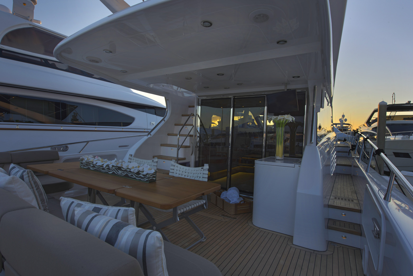 Aft Deck - Outdoor Leather